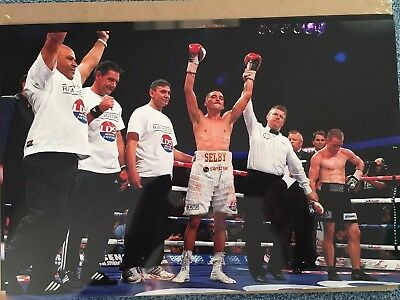 Un signed 12x8 photograph of boxer Lee Selby. Current IBF world champ!