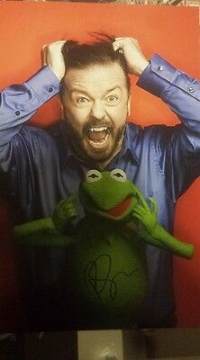 Ricky Gervais Signed 12 X 8 Photo The Muppets An Idiot Abroad Comedian