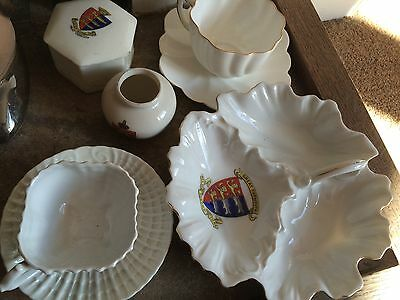 Crested Motto Ware. Five Item Set. Perfect Condition.