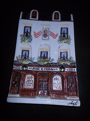 Hazle  Ceramics Nation Of Shopkeepers  Rose And Crown Plaque