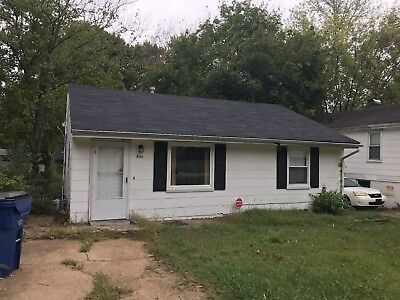No RESERVE!  Investor Special!  CASH FLOWING 2/1 SFR in St. Louis, MO!