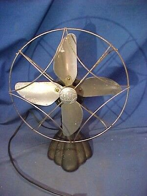 1930s ART DECO era NELSON Electric 4 PROPELLER BLADE FAN 1 Speed Runs Good
