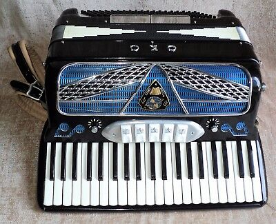 Perfect Condition Vintage Cinocco Krantz CKC Accordion Made Italy in Case Straps