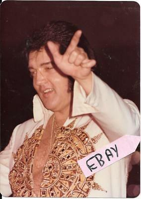 Vintage Elvis Estate Find Photo Close Up Cincinnati Ohio 6/25/77 Lot # 5