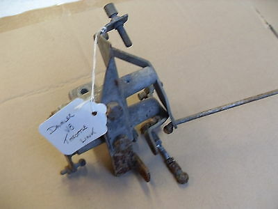 Daimler V8 Throttle linkage