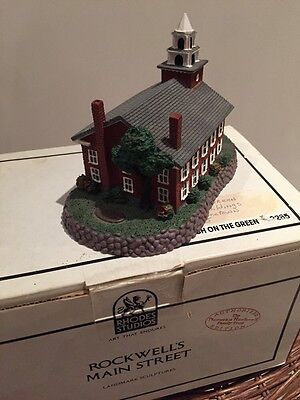 #82285 ROCKWELL CHURCH ON GREEN (STRUCTURE) --Hometown Collection NIB