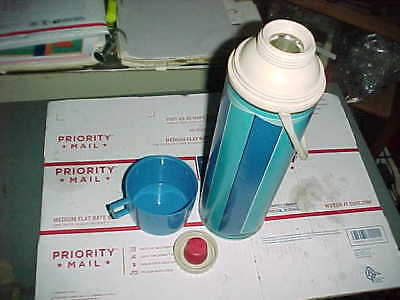 Vtg 1974 Thermos King Seeley Quart Black Two Tone Blue Glass Lined w/ Handle