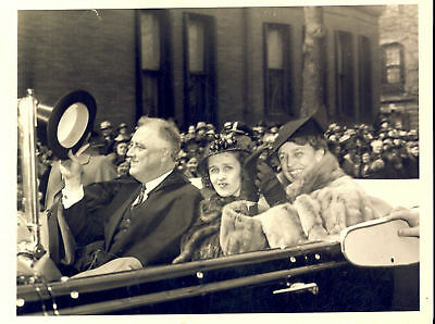 1937 WASHINGTON Franklin D. ROOSEVELT and his wife after Easter services - Photo