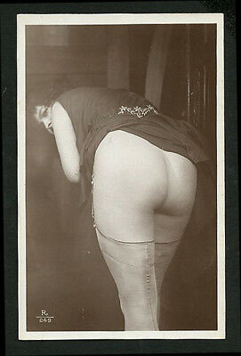 French YOUTHFUL Nude FLASHER Her DERRIERE A REAR VU 1920s ~ PARIS Latest