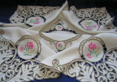 B'ful Vintage Richly Hand Embroidered Pink Rose & Cutwork Lace Linen Tablecloth