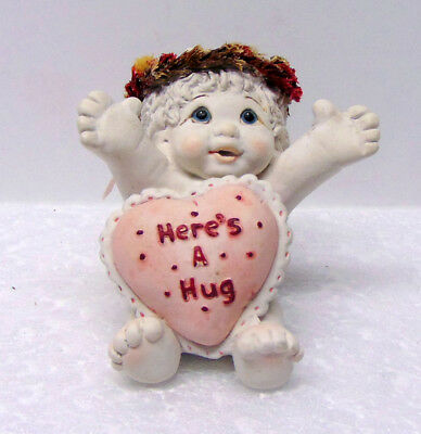 Dreamsicles Ceramic Figurine - Kristin 2002 - Love Notes, Here's A Hug - 10681