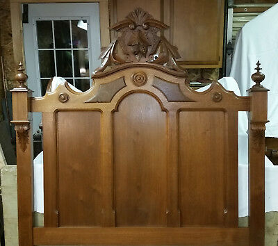 Walnut 3/4 Victorian Bed Frame, Victorian Very Good Condition