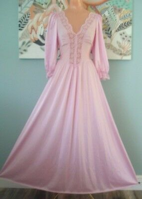 Vintage Olga Lilac Nightgown Rare Long Sleeves Gown Style 92067 M-L