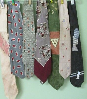 Vintage Mens Multi Color Tie Collection Of 7 / Bold And Beautiful Designs