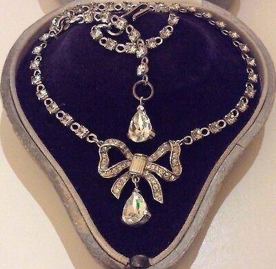 Vintage Signed Crown Trifari Jewellery Edwardian Bow Ribbon Pendant Necklace