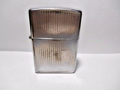 Vintage Zippo 1984 \ \  Chrome Cigarette Lighter With Vertical Lines