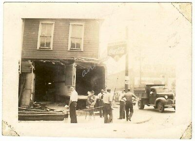 Store Missing Front of Building Coca Cola Sign Beer Lunch Vintage Photo Coke