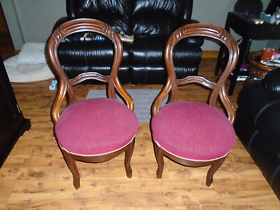 Vintage Pair of Victorian Walnut Balloon Back Dinning Chairs Very good Condition