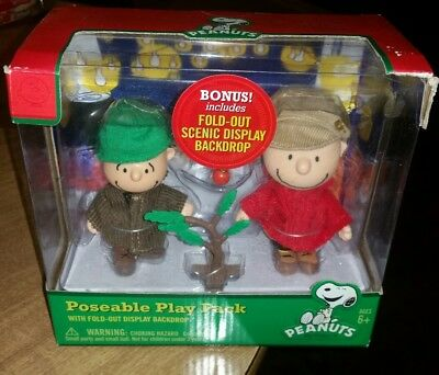 Peanuts Christmas Poseable Play Pack of Charlie Brown and Linus new in box
