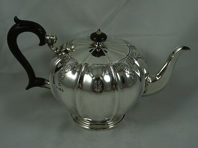 STUNNING solid silver TEA POT   1967, 837gm