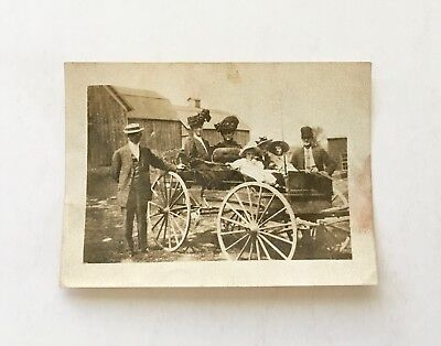 Vintage 1909 B/W Photo - Carriage - Families - Hats - Townsville to Brooklyn