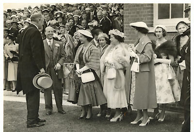 1956 ROYAL ASCOT Queen ELIZABETH II smiling after the victory of her horse PHOTO