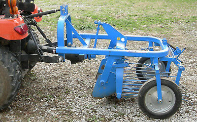 SPEDO POTATO DIGGER 3 Pt Hitch Mounted Digs Seperates dirt from Potatoes 2016