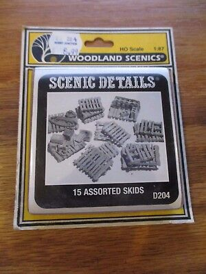 WOODLAND SCENICS D204 15 ASSORTED SKIDS SC DETAILS w Free ship!