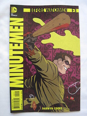 Before Watchmen  : Minutemen   # 2.   Dc Comics. 2012.