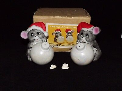 1986 House of Lloyd Christmas Mice Holding Ornaments Salt & Pepper Shakers Set