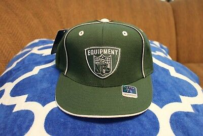 3be7eb0a9 New York Jets NFL Shield Logo Reebok Flat Billed Fitted Hat Cap Size 7 1