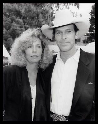 1993 CHRIS LEDOUX & WIFE Country Music Artist Vintage Original Photo gp