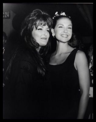 1993 ASHLEY JUDD & WYNONA JUDD Country Music Artist Vintage Original Photo gp