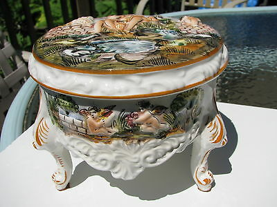 Vtg.rare Hard 2 Find 1632 Italy Capodimonte 3 Tri Footed Pedestal Porcelain Box
