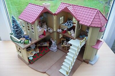 Sylvanian Families Willow Hall Fully Furnished For Christmas + 7 Figures & Box