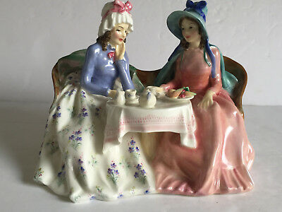 c1941 Royal Doulton AFTERNOON TEA Figurine HN 1747 Early Mark Rd No 809200