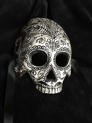 Half Skull Mask Day Of The Dead Masquerade Man Art S9-364  Black And Grey Webs