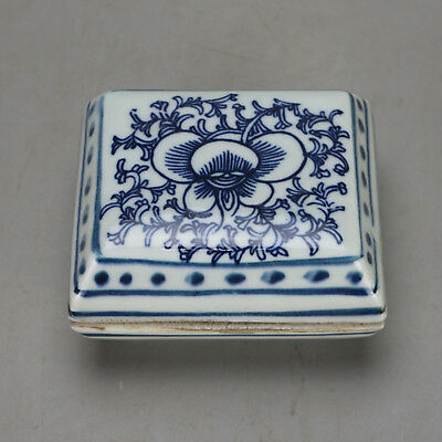 Chinese old hand-carved porcelain Blue & white flower pattern inkpad rouge box H