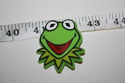 "Vintage 1978 *Kermit the Frog* Plastic pin 2"" Charity"