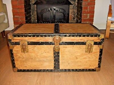 VINTAGE STEAMER TRUNK Old Cabin Chest VINTAGE LUGGAGE CASE Table Storage