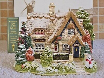 Lilliput Lane .. CHRISTMAS LIGHTS AT THE BELL INN .. illuminated christmas piece