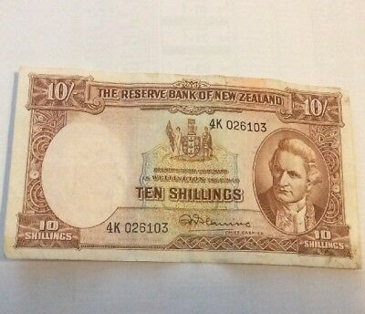 Reserve Bank of New Zealand Captain Cook Ten Shilling Note 4K 026103 99p Start