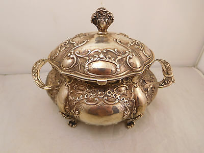 Fancy Antique Handarbeit Sterling Silver Gold Repousse Flower Footed Tea Caddy