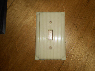 Vntg AP Single Switch Plate Cover Ivory Bakelite Plastic Ribbed  NOS