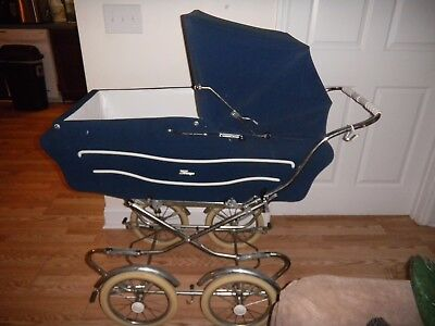 Beautful Made in Italy Vintage Navy Perego Stroller