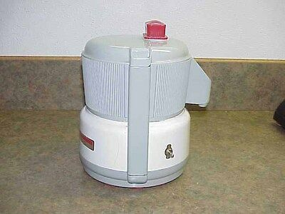 Vintage ACME Supreme Jucerator Juicer 5001 w/Filter Screen