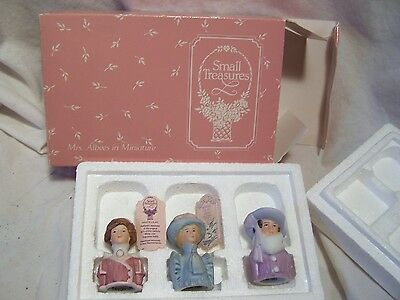 AVON SMALL TREASURES Mrs. Albee Miniature figurines set Perfume topper Lid VTG