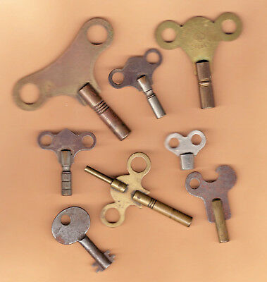 LOT of 8 ANTIQUE OLD CLOCK KEYS Mantel Wind *Waterbury *Popular Progress