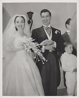 Ann Blyth makes a beautiful bride ~ ORIG 1953 press photo from her wedding day