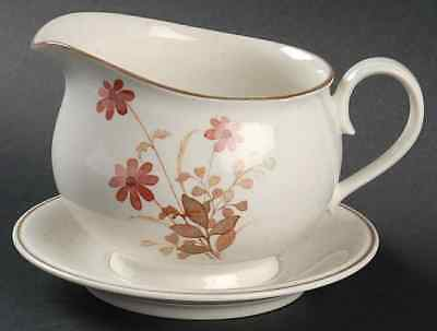 Noritake OUTLOOK Gravy Boat & Attached Underplate 457139